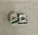 8mm Preciosa Squaredelle – Silver-Plated Emerald – 2 pcs.